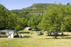 Camping Drome provencale en bord de riviere - La Ferme de Clareau